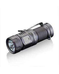 JETBeam E20R SST40 990 LUMENS Linterna LED