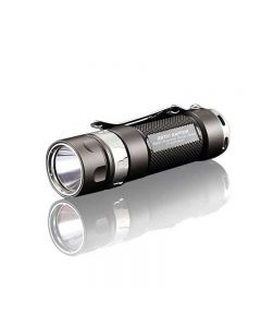 JETBeam JET-RRT01 CREE XP-L 950 lumen LED linterna de EDC